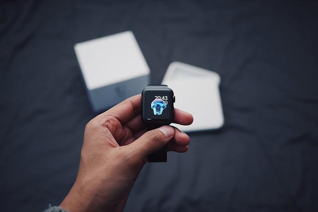 hodinky s internetem