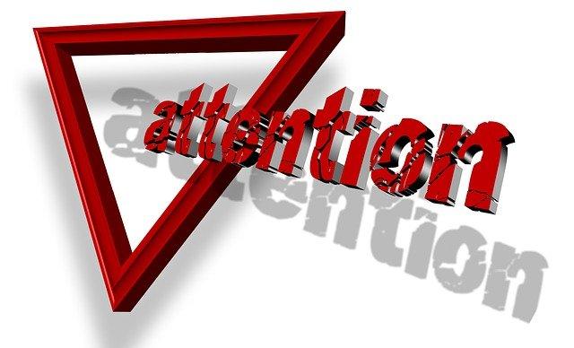 upozorňující trojúhelník