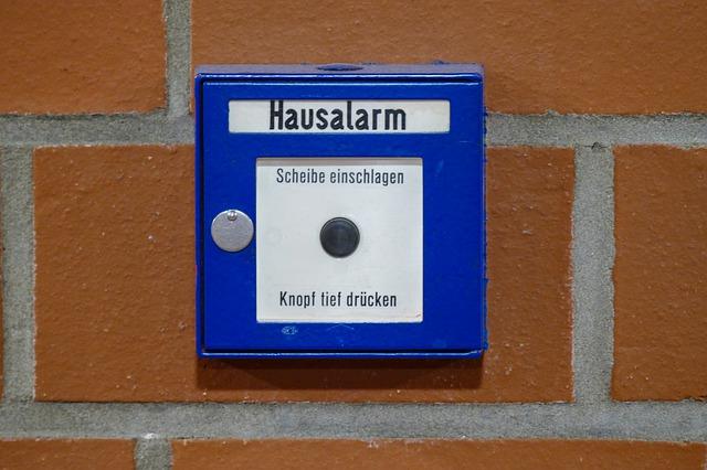 bezpečnostní alarm