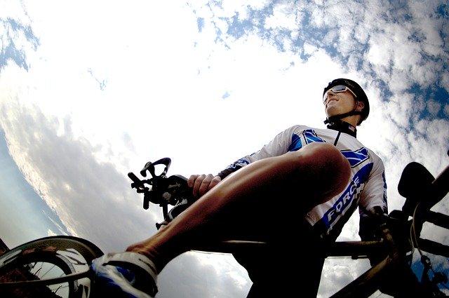 nadšený cyklista