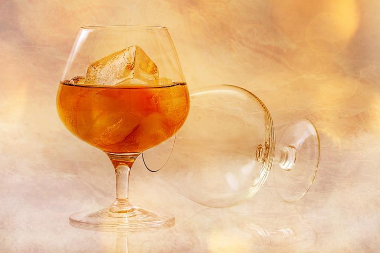 sklenička cognacu